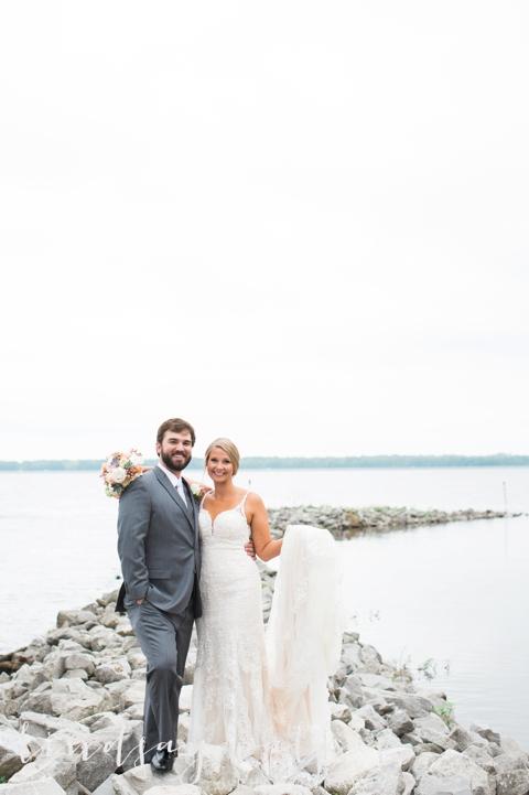 Kelly & Drew Wedding_Mississippi Wedding Photography_Lindsay Vallas Photography_Jackson Yacht Club Jackson MS_0039