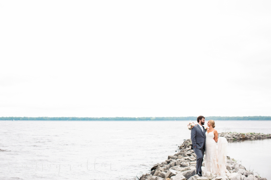Kelly & Drew Wedding_Mississippi Wedding Photography_Lindsay Vallas Photography_Jackson Yacht Club Jackson MS_0041