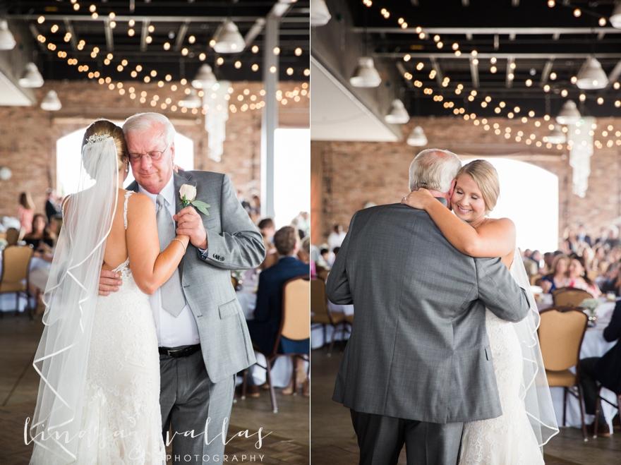 Kelly & Drew Wedding_Mississippi Wedding Photography_Lindsay Vallas Photography_Jackson Yacht Club Jackson MS_0076