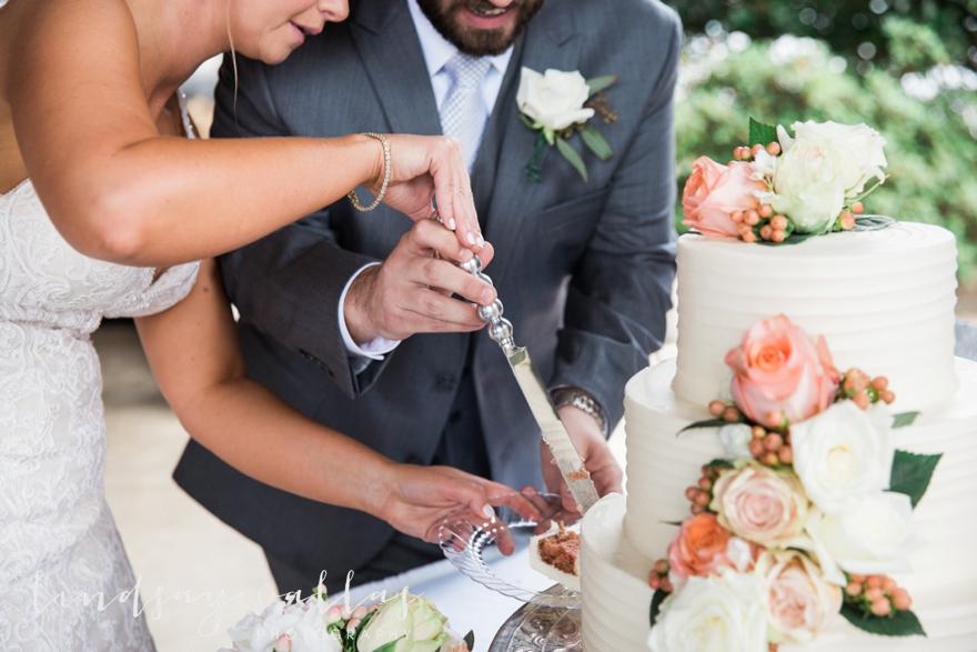 Kelly & Drew Wedding_Mississippi Wedding Photography_Lindsay Vallas Photography_Jackson Yacht Club Jackson MS_0081