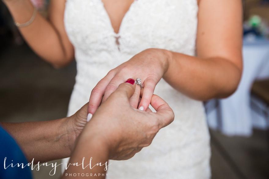 Kelly & Drew Wedding_Mississippi Wedding Photography_Lindsay Vallas Photography_Jackson Yacht Club Jackson MS_0084