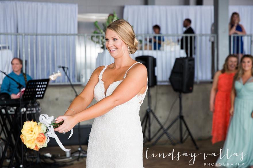 Kelly & Drew Wedding_Mississippi Wedding Photography_Lindsay Vallas Photography_Jackson Yacht Club Jackson MS_0094