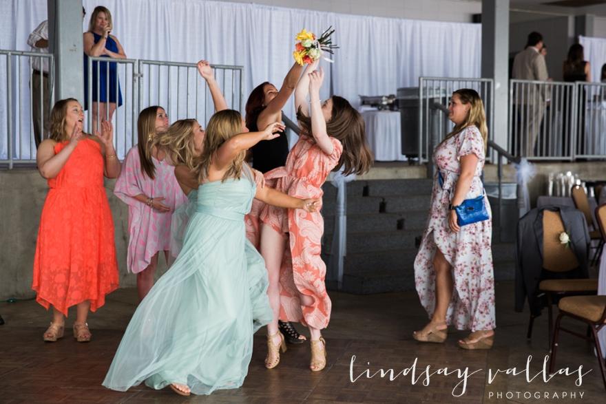Kelly & Drew Wedding_Mississippi Wedding Photography_Lindsay Vallas Photography_Jackson Yacht Club Jackson MS_0095