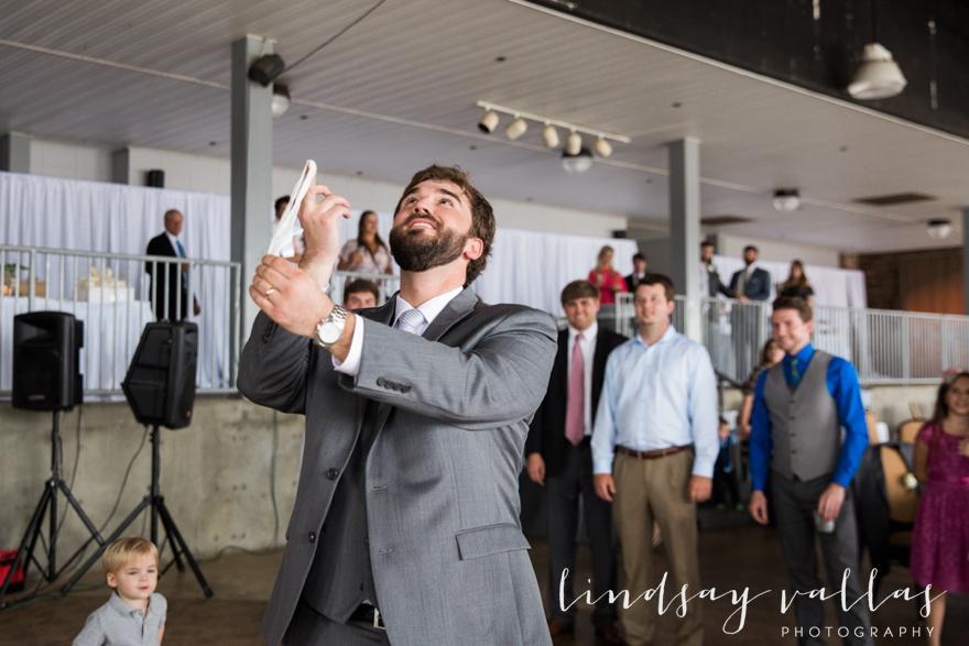Kelly & Drew Wedding_Mississippi Wedding Photography_Lindsay Vallas Photography_Jackson Yacht Club Jackson MS_0096