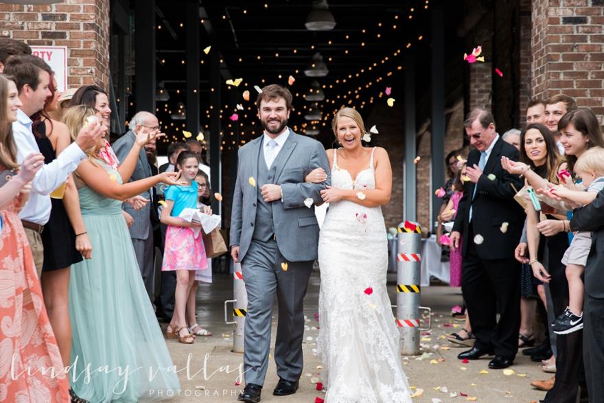 Kelly & Drew Wedding_Mississippi Wedding Photography_Lindsay Vallas Photography_Jackson Yacht Club Jackson MS_0097