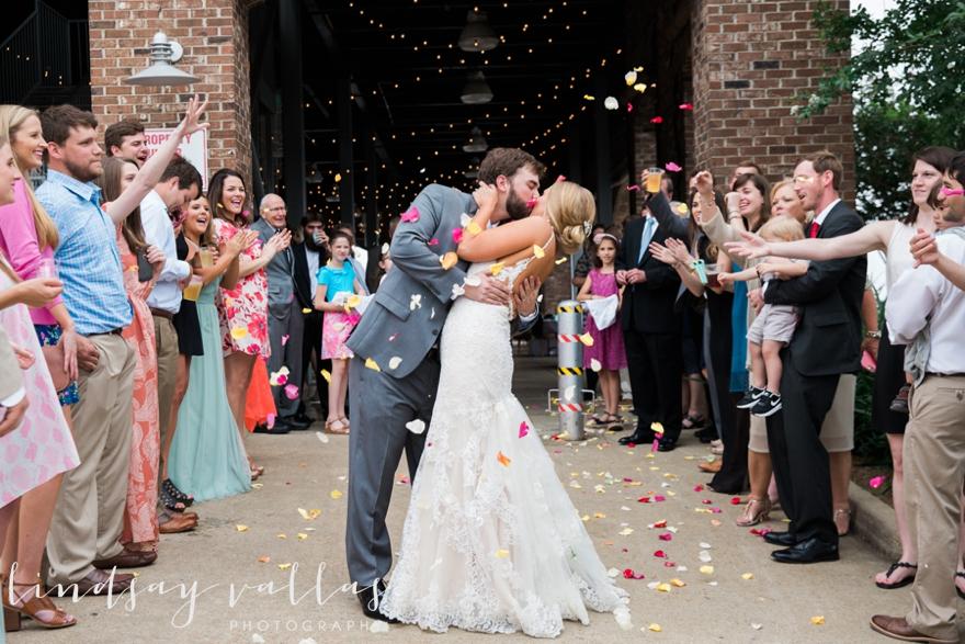Kelly & Drew Wedding_Mississippi Wedding Photography_Lindsay Vallas Photography_Jackson Yacht Club Jackson MS_0098
