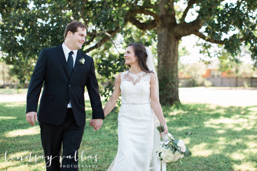 Hayley & Andrew Wedding - Jackson MS - Mississippi Wedding Photographer - Lindsay Vallas Photography_The Ivy Wedding Venue_0038