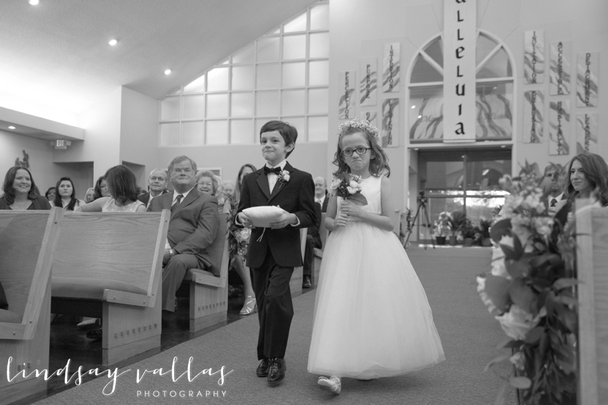 Hayley & Andrew Wedding - Jackson MS - Mississippi Wedding Photographer - Lindsay Vallas Photography_The Ivy Wedding Venue_0073