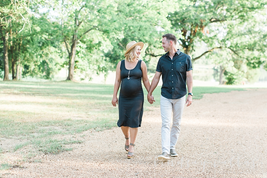 Molly Gee & Justin Maternity Session_Mississippi Wedding Photography_Lindsay Vallas Photography_Livingston Madison MS_0070