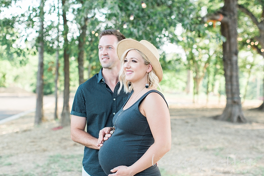 Molly Gee & Justin Maternity Session_Mississippi Wedding Photography_Lindsay Vallas Photography_Livingston Madison MS_0076