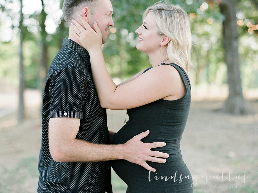 Molly Gee & Justin Maternity Session_Mississippi Wedding Photography_Lindsay Vallas Photography_Livingston Madison MS_0077