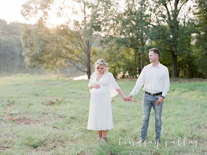 Molly Gee & Justin Maternity Session_Mississippi Wedding Photography_Lindsay Vallas Photography_Livingston Madison MS_0085