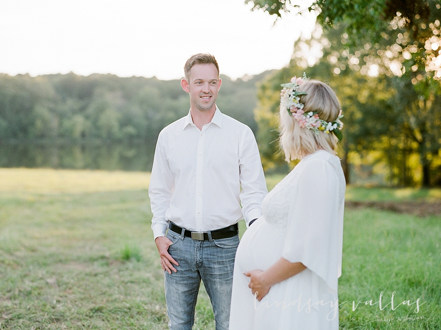 Molly Gee & Justin Maternity Session_Mississippi Wedding Photography_Lindsay Vallas Photography_Livingston Madison MS_0096