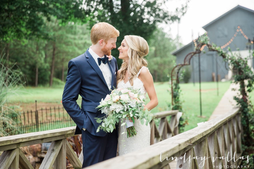 Sydney & William Wedding - Mississippi Wedding Photographer - Lindsay Vallas Photography_The Cotton Market Wedding Venue_0025