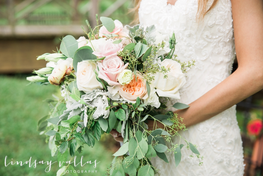 Sydney & William Wedding - Mississippi Wedding Photographer - Lindsay Vallas Photography_The Cotton Market Wedding Venue_0033